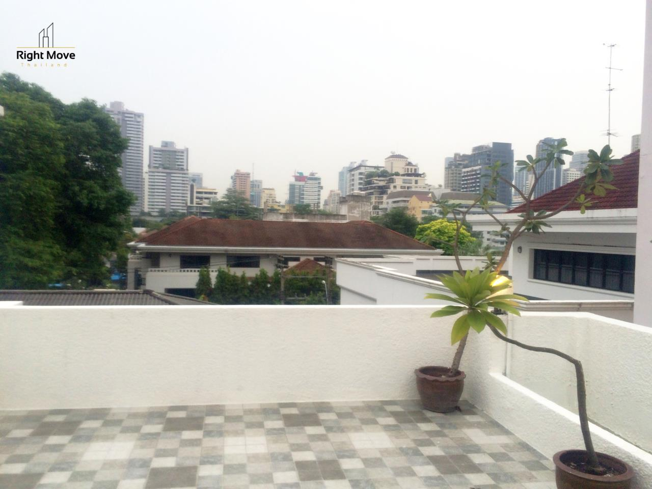 Right Move Thailand Agency's HR917 Newly Renovated Townhouse for rent and sale - 3 Bedrooms - 408 sqm. - Sukhumvit area 6