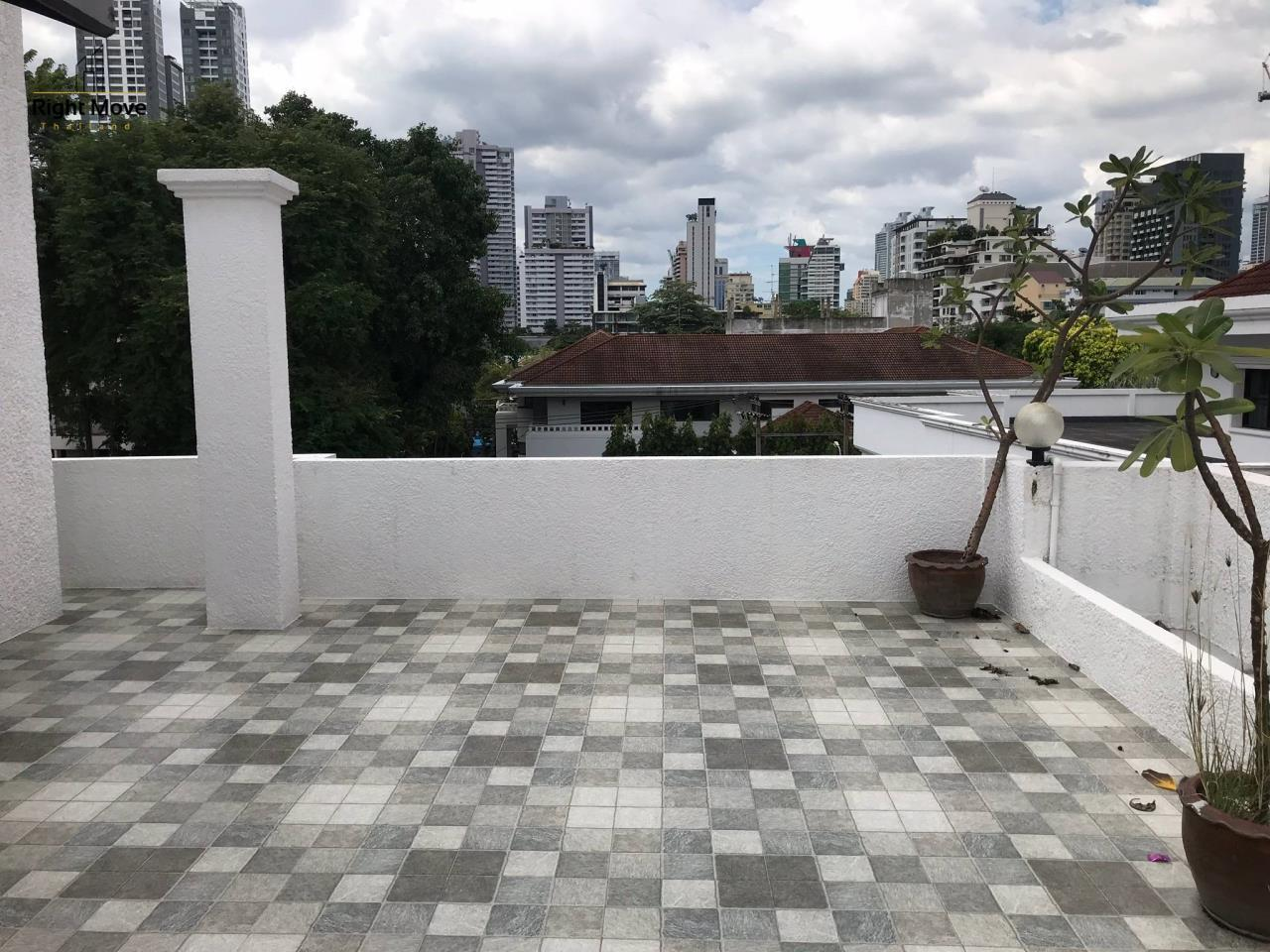 Right Move Thailand Agency's HR917 Newly Renovated Townhouse for rent and sale - 3 Bedrooms - 408 sqm.  26