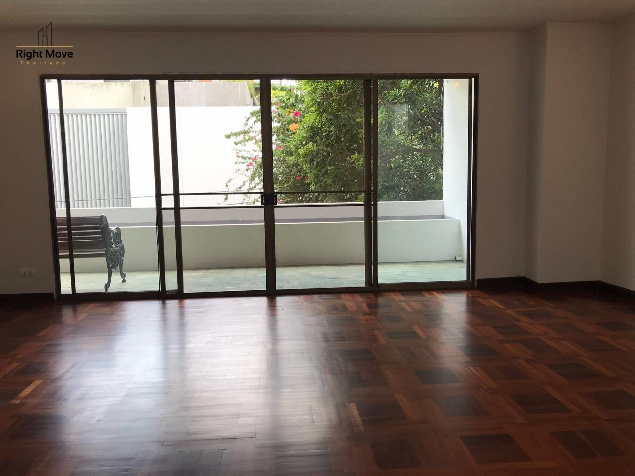 Right Move Thailand Agency's HR917 Newly Renovated Townhouse for rent and sale - 3 Bedrooms - 408 sqm.  2