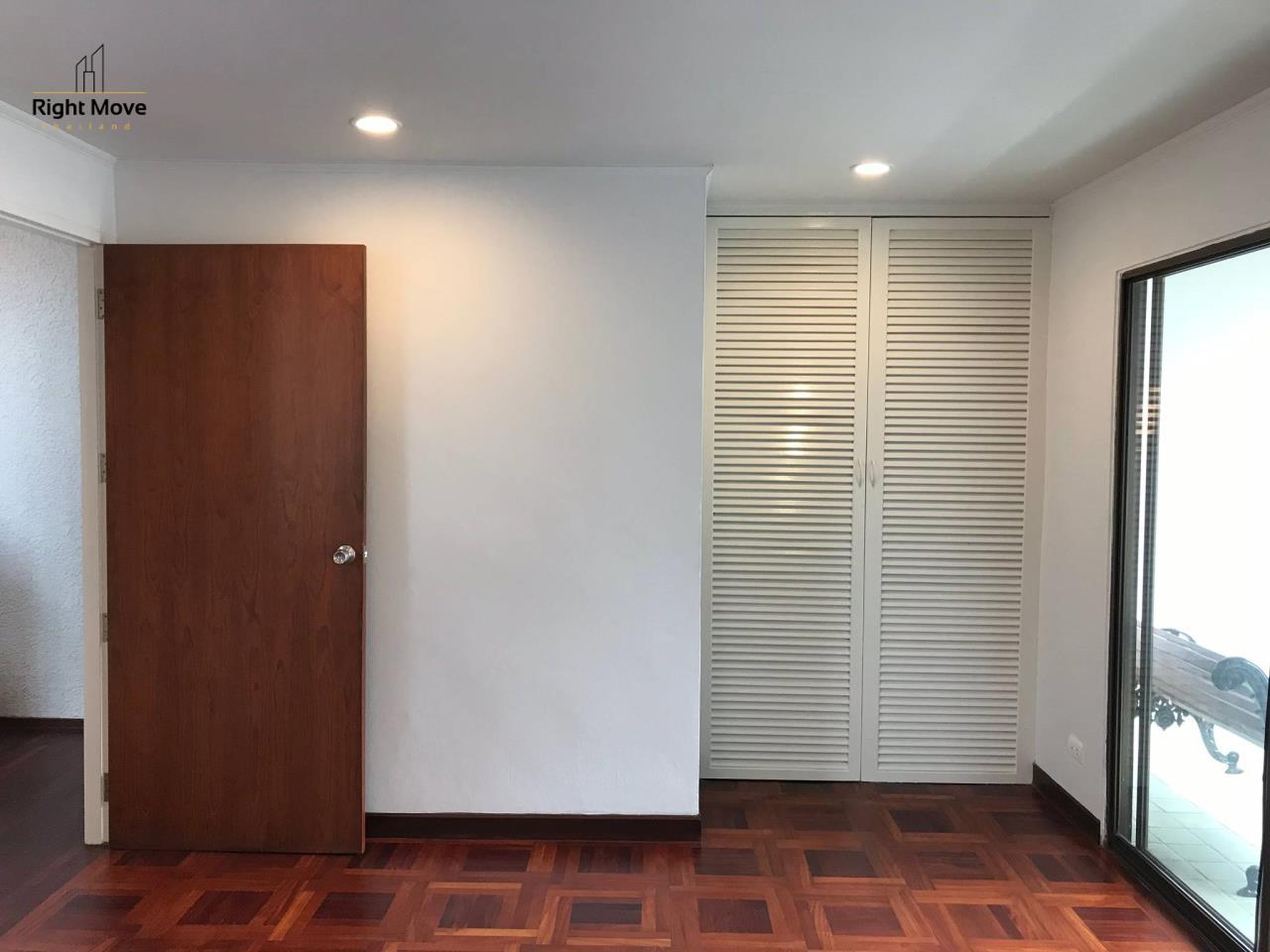 Right Move Thailand Agency's HR917 Newly Renovated Townhouse for rent and sale - 3 Bedrooms - 408 sqm.  12