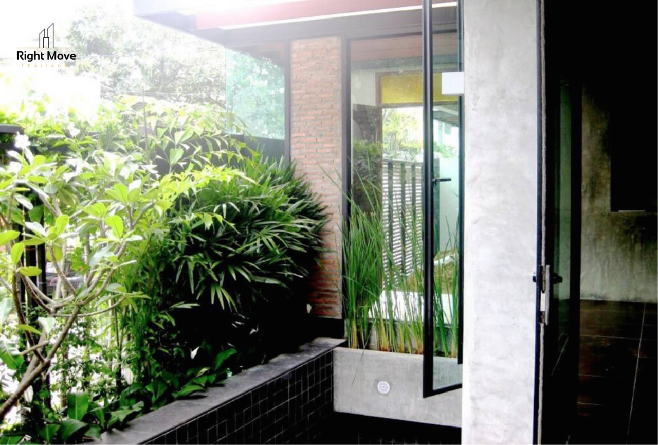Right Move Thailand Agency's HR933 House with Private Pool For Rent 165,000 THB 3 Bedrooms 400 Sqm 7