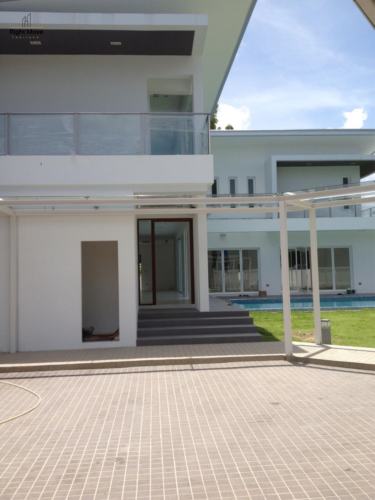 Right Move Thailand Agency's HR963 House with private pool - For Rent 180,000 THB 4 Bedrooms 450 Sqm 200 Sqw 4
