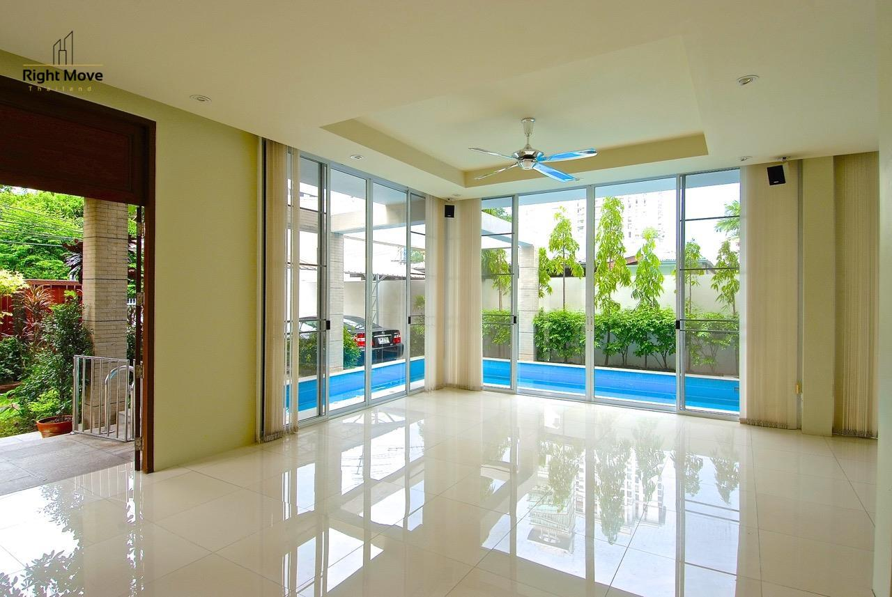 Right Move Thailand Agency's HR968 Single House For Rent 170,000 THB 4 Bedrooms 500 Sqm 2