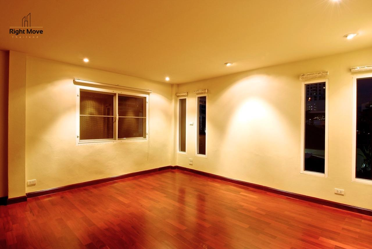 Right Move Thailand Agency's HR968 Single House For Rent 170,000 THB 4 Bedrooms 500 Sqm 10