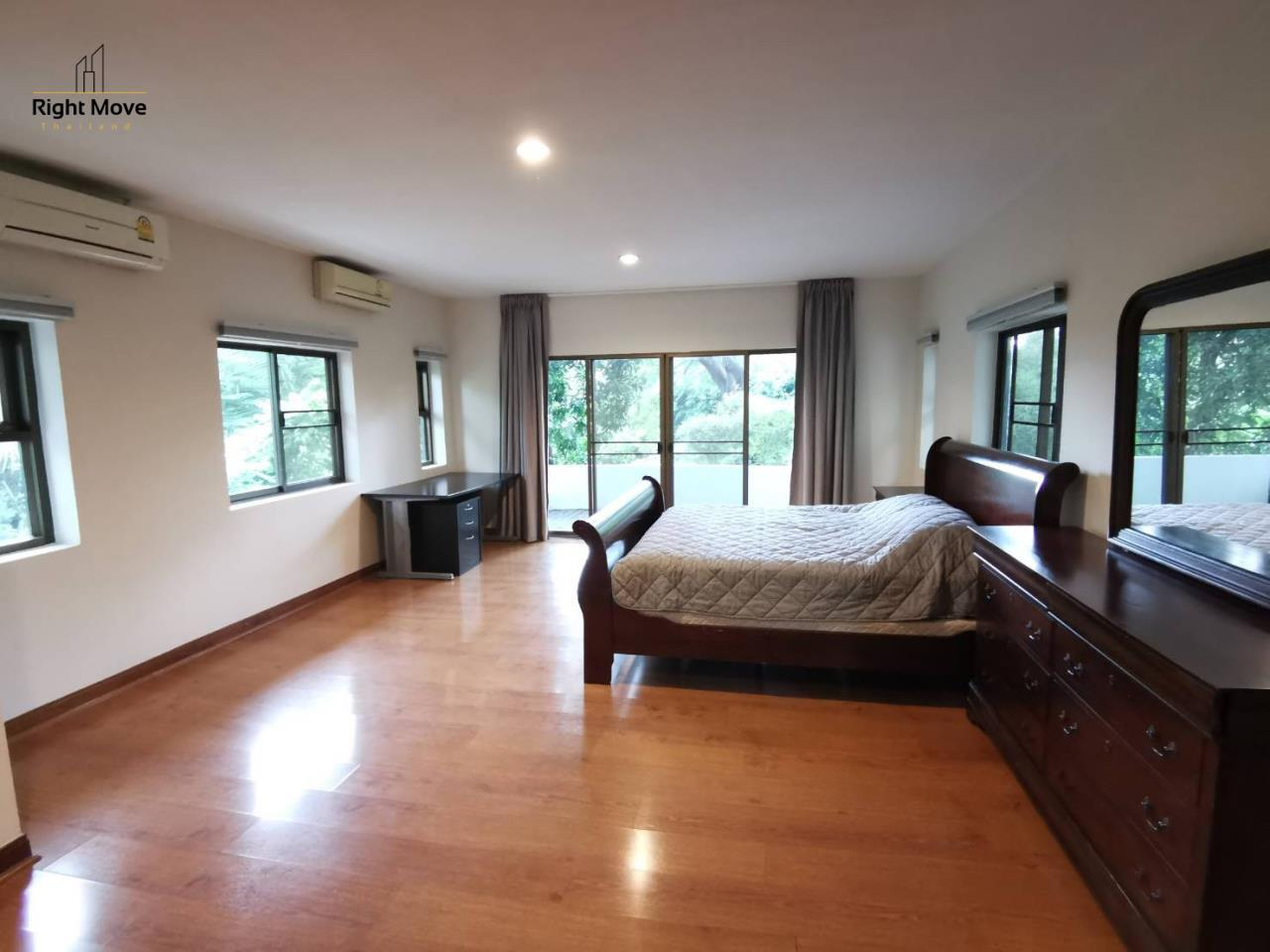 Right Move Thailand Agency's HR976 House For Rent 70,000 THB 3 Bedrooms 250 Sqm 11