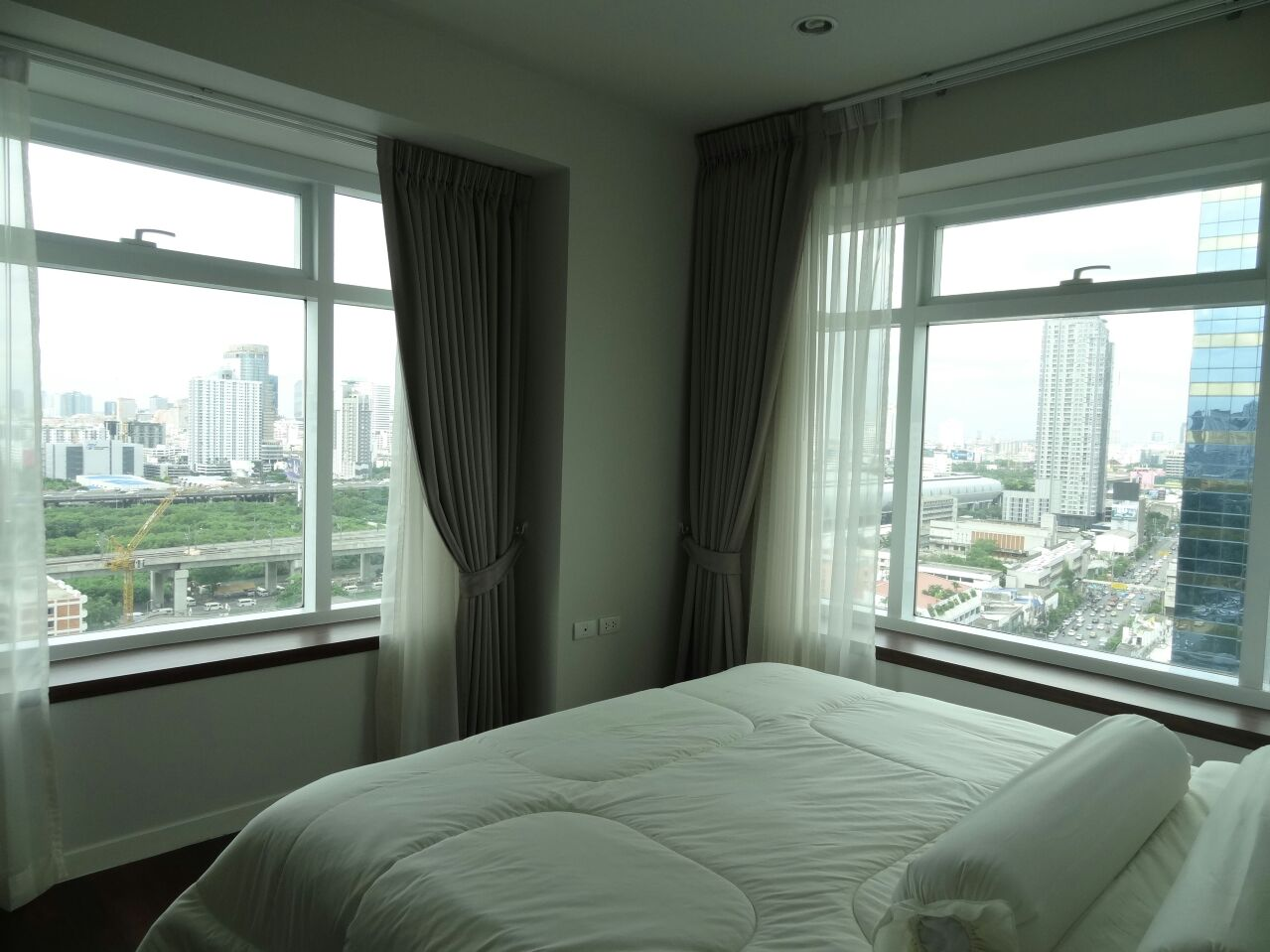 VisionQuest Thailand Property Agency's Behind Soi 11 one bedroom 50 sq.m fully furnished 2