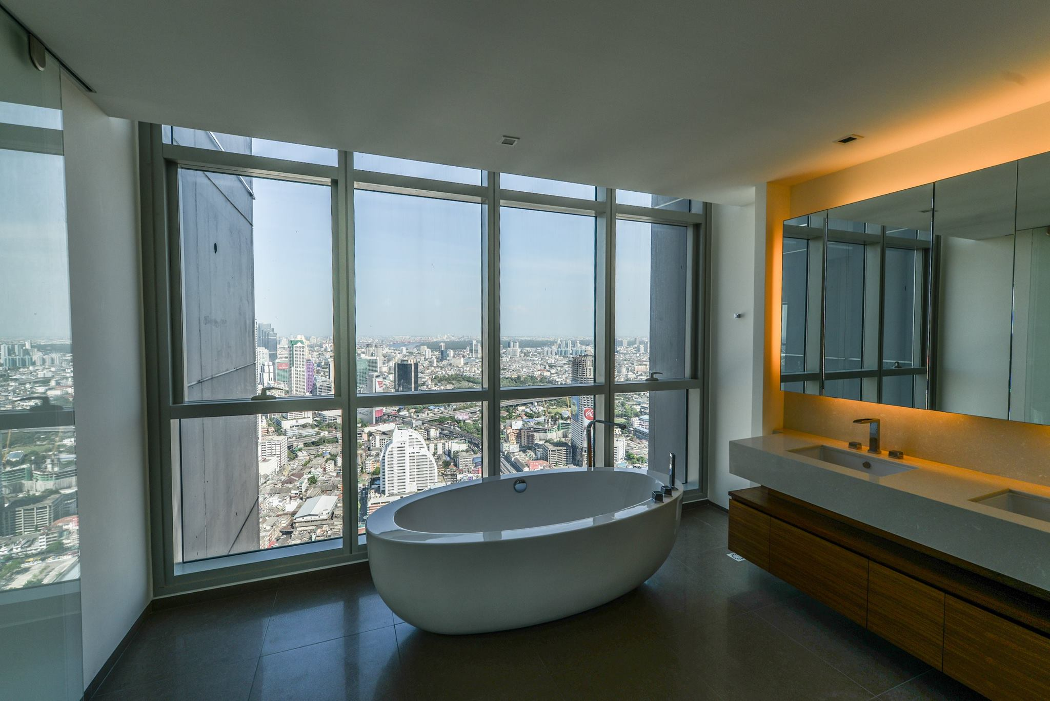 VisionQuest Thailand Property Agency's The River Penthouse 942sq.m spectacular 180 degrees river and city views 9