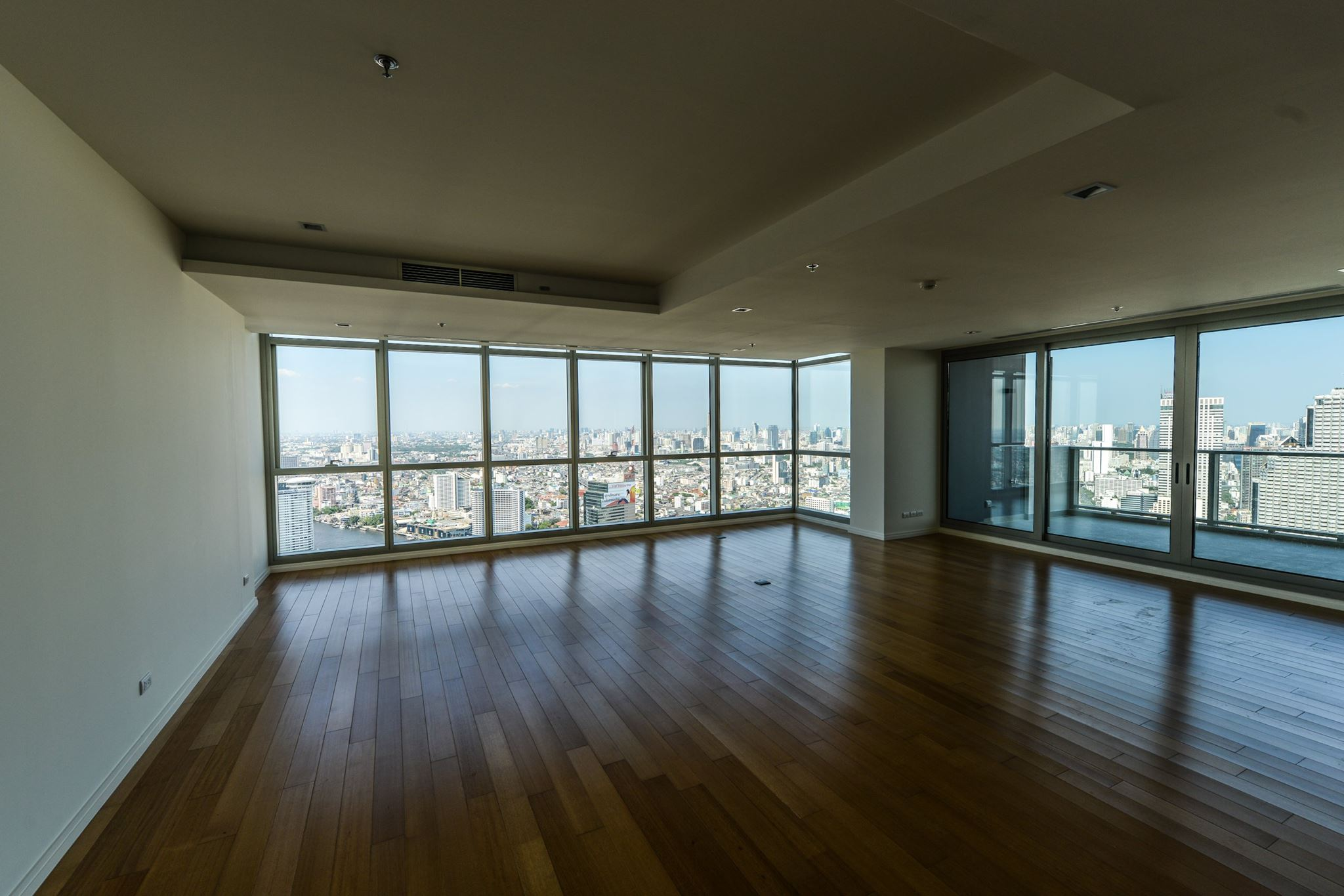 VisionQuest Thailand Property Agency's The River Penthouse 942sq.m spectacular 180 degrees river and city views 21