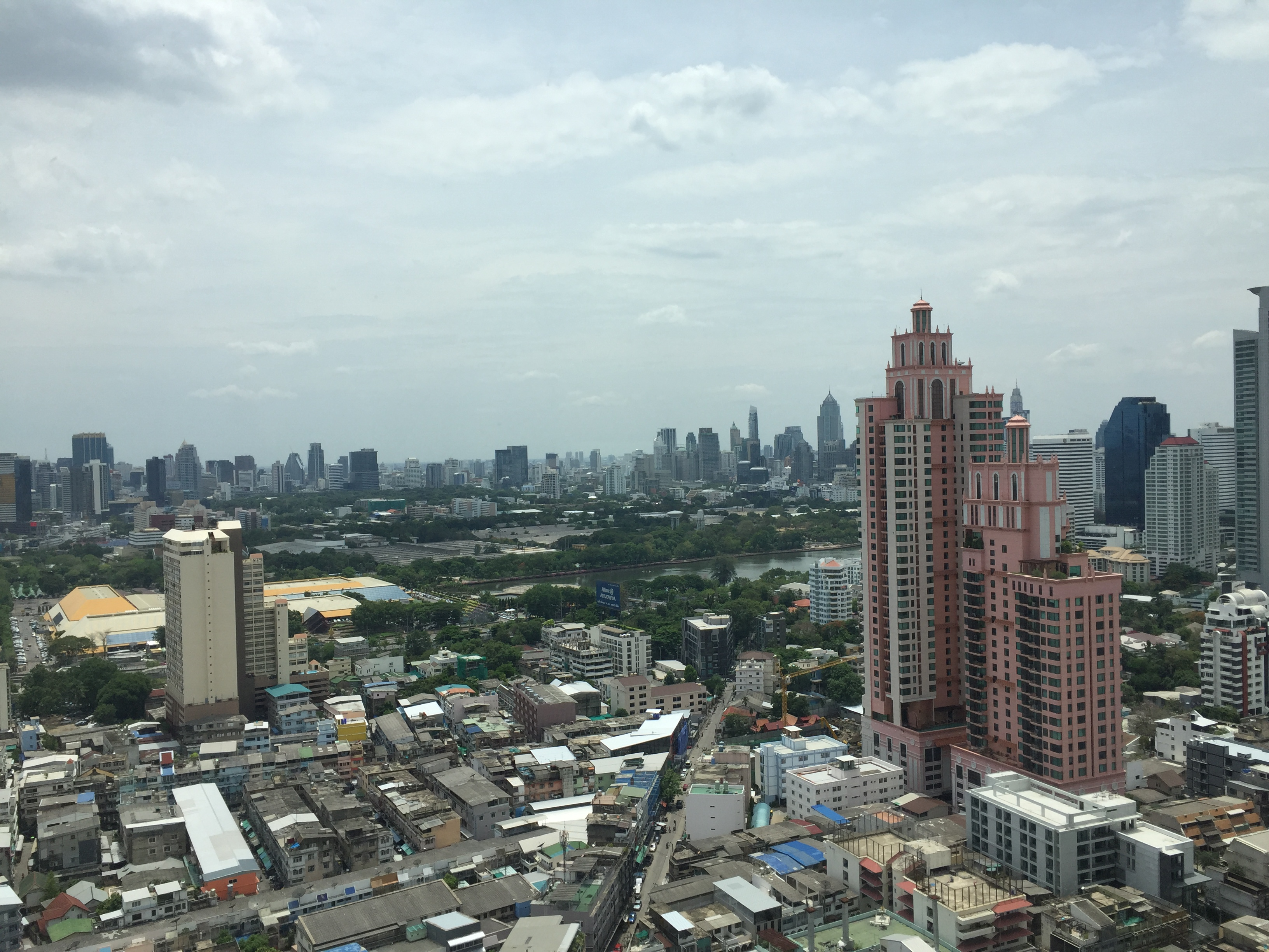 VisionQuest Thailand Property Agency's Sukhumvit soi 24 1 bedroom 1 bath high floor Now for Sell 9
