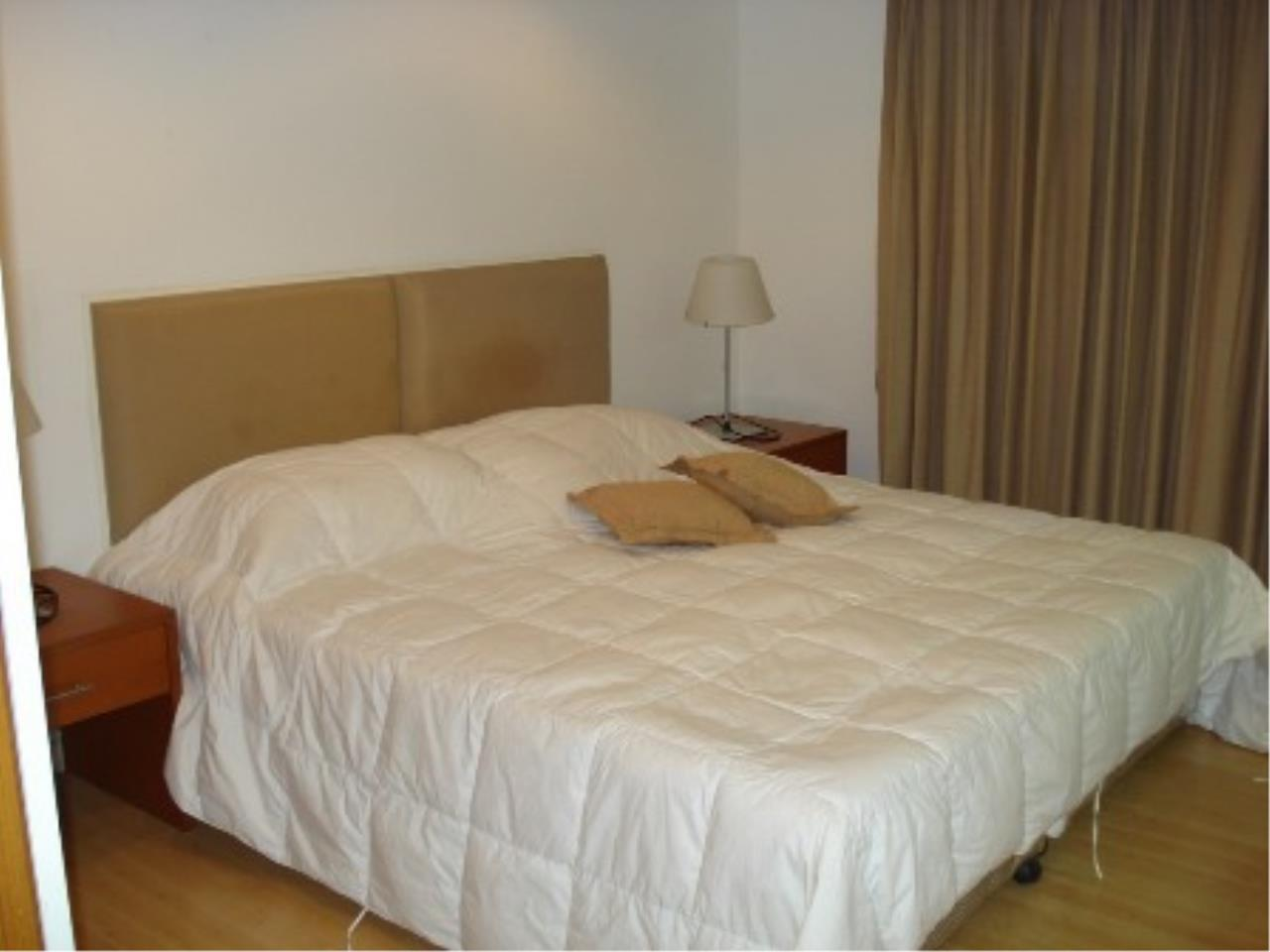 Optima Global Real Estate Agency's Beautiful 2 bedrooms condo for SALE near BTS Ploenchit 1