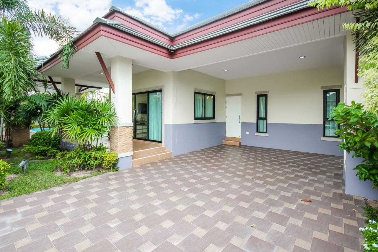 Thaiproperty1 Agency's New pool villa - 50% financ - Na Jomtien 2