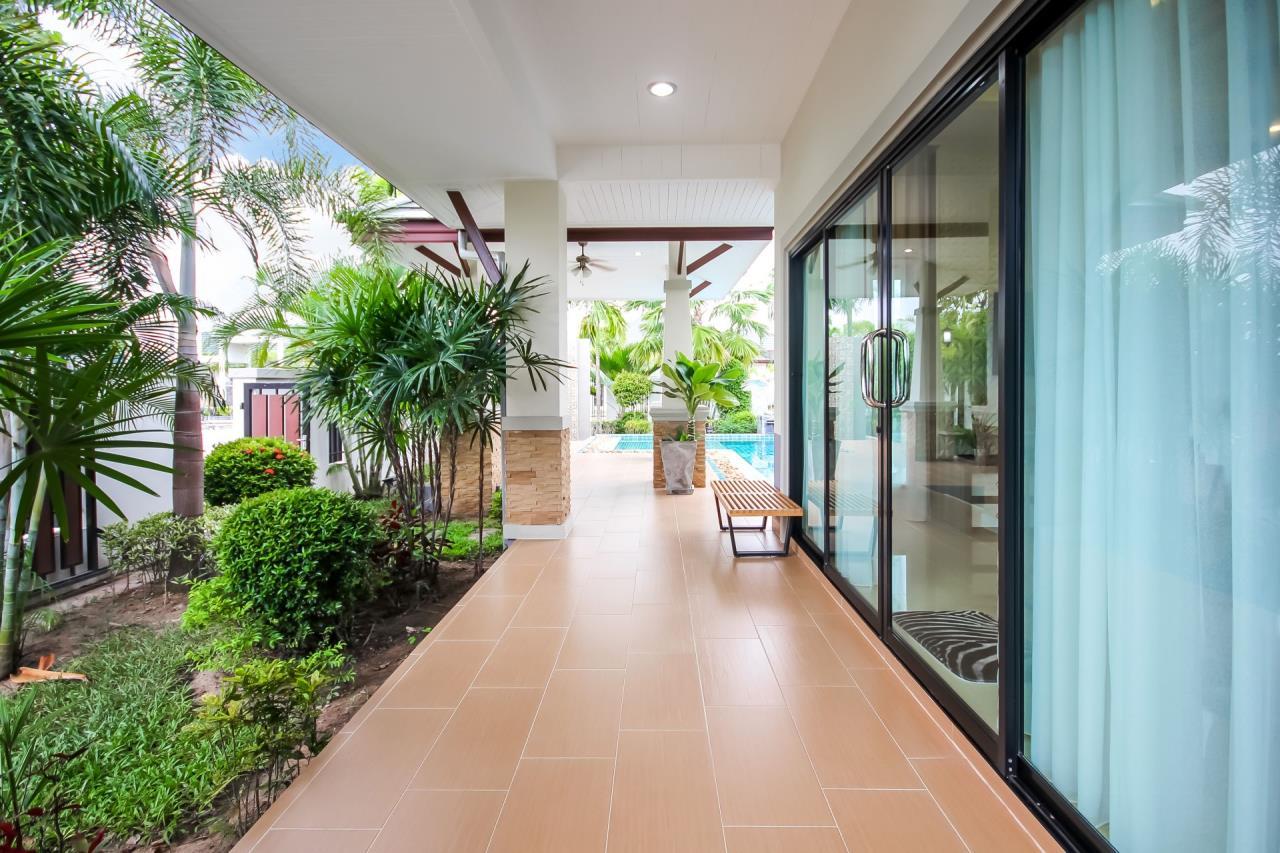 Thaiproperty1 Agency's New pool villa - 50% financ - Na Jomtien 3