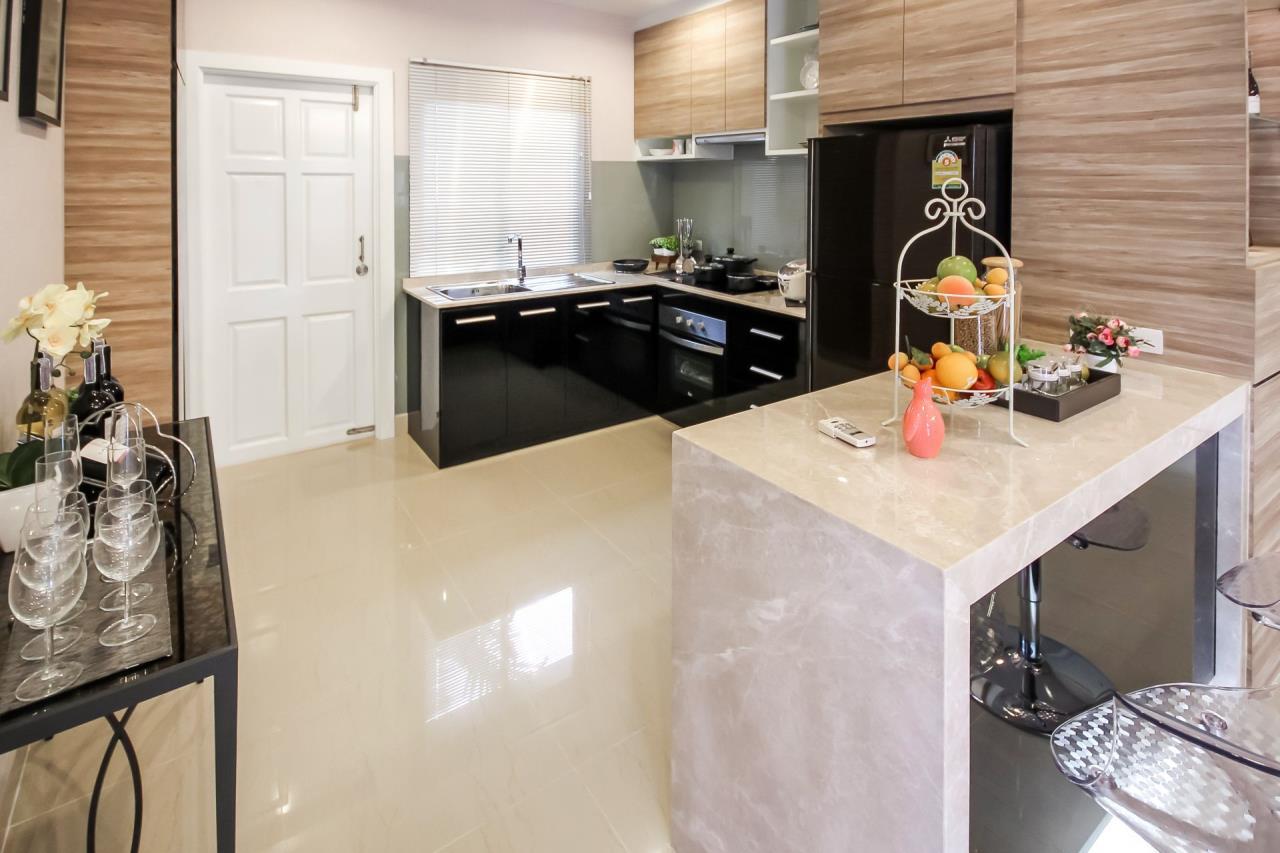 Thaiproperty1 Agency's New pool villa - 50% financ - Na Jomtien 9