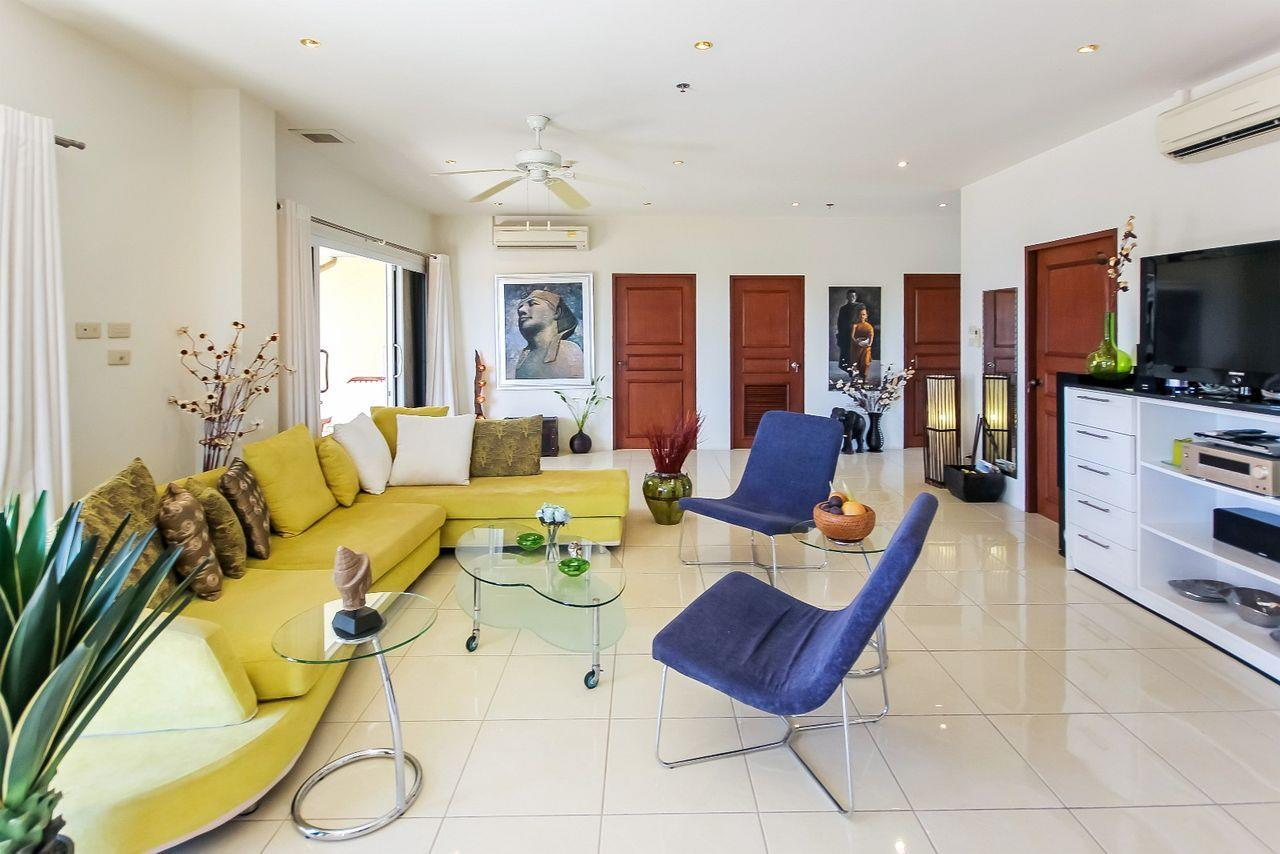 Thaiproperty1 Agency's Large penthouse - Pattaya  18