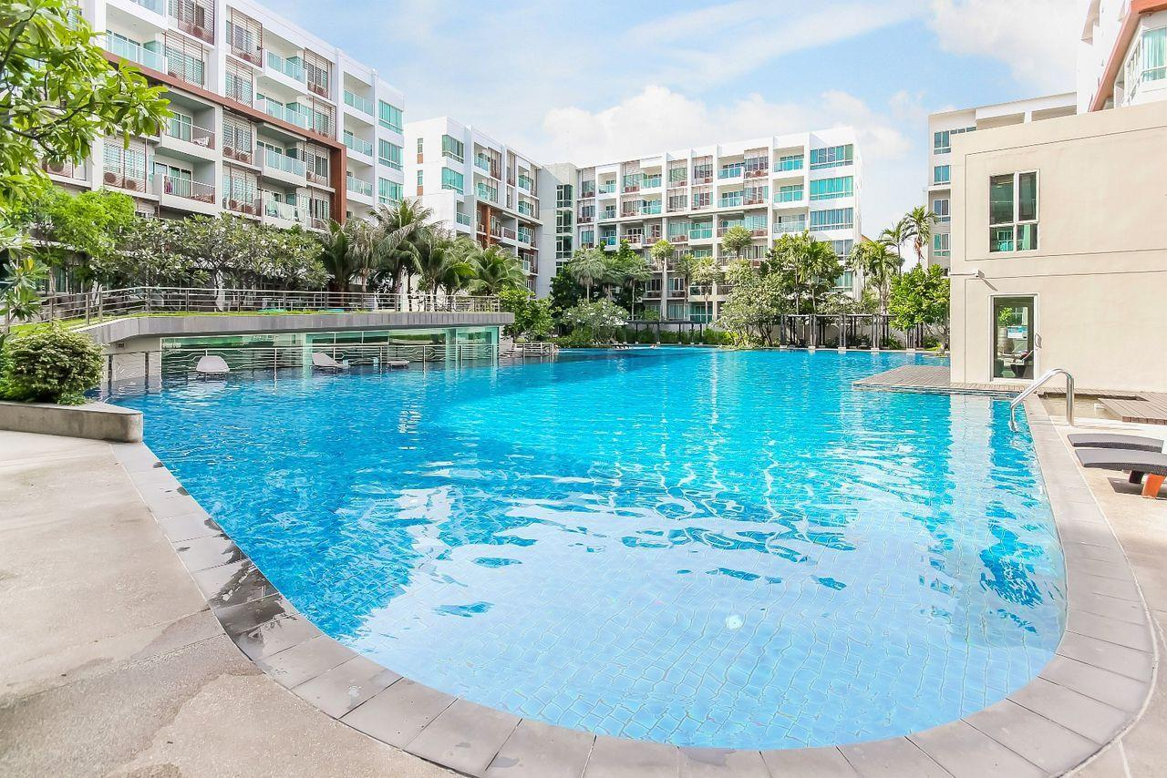 Thaiproperty1 Agency's 2 bedroom condo close to the beach 1
