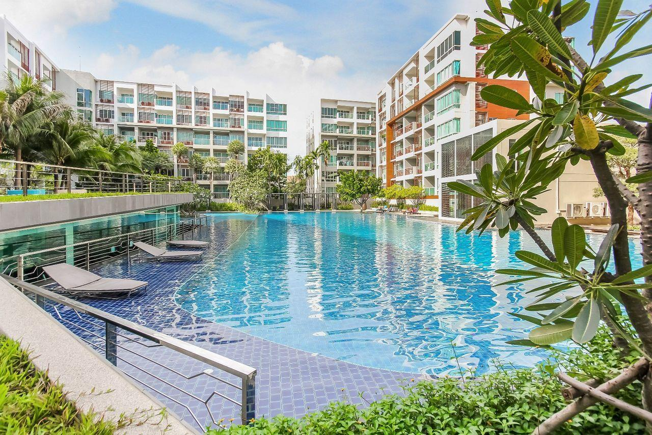 Thaiproperty1 Agency's 2 bedroom condo close to the beach 21