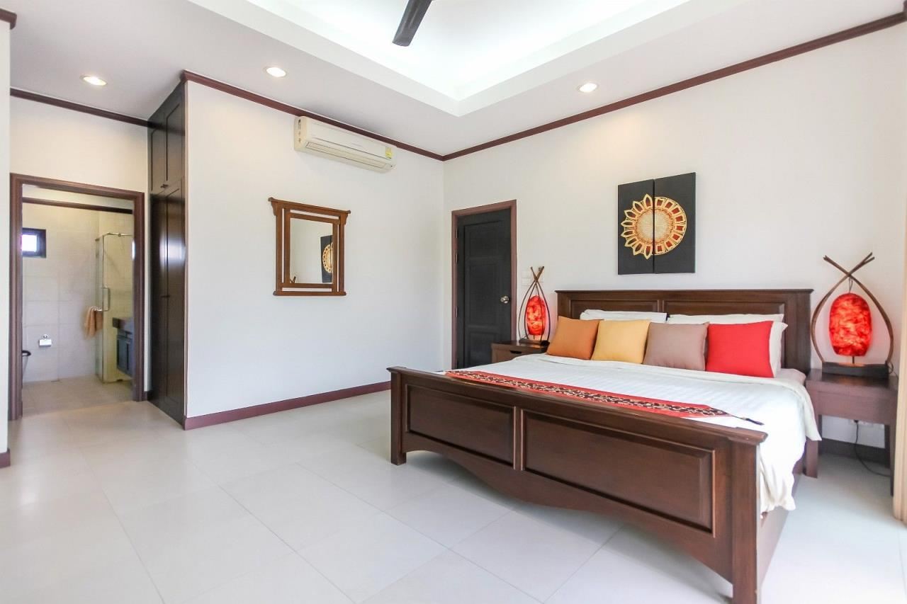 Thaiproperty1 Agency's Pool Villa with 4 bedrooms in beautiful and well run project 18
