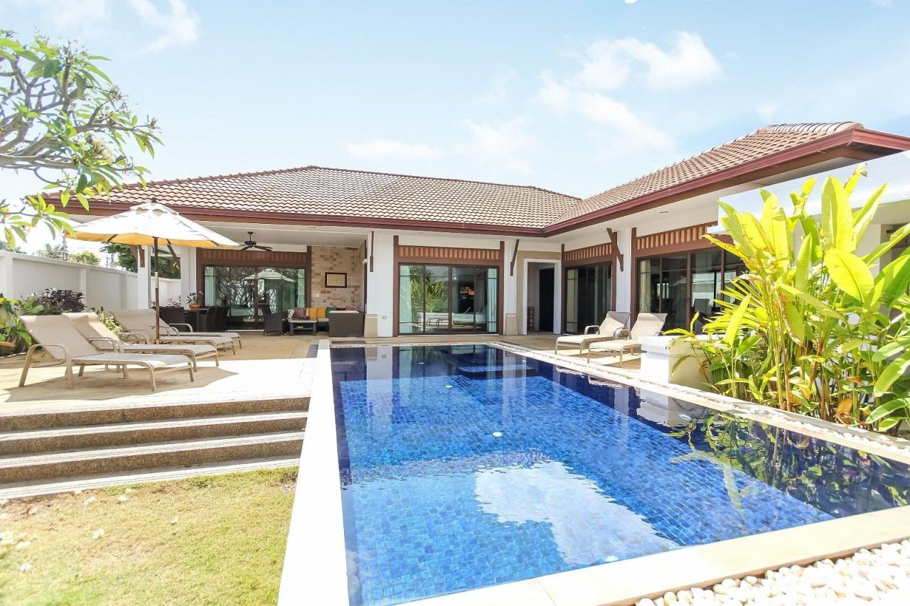 Thaiproperty1 Agency's Pool Villa with 4 bedrooms in beautiful and well run project 7