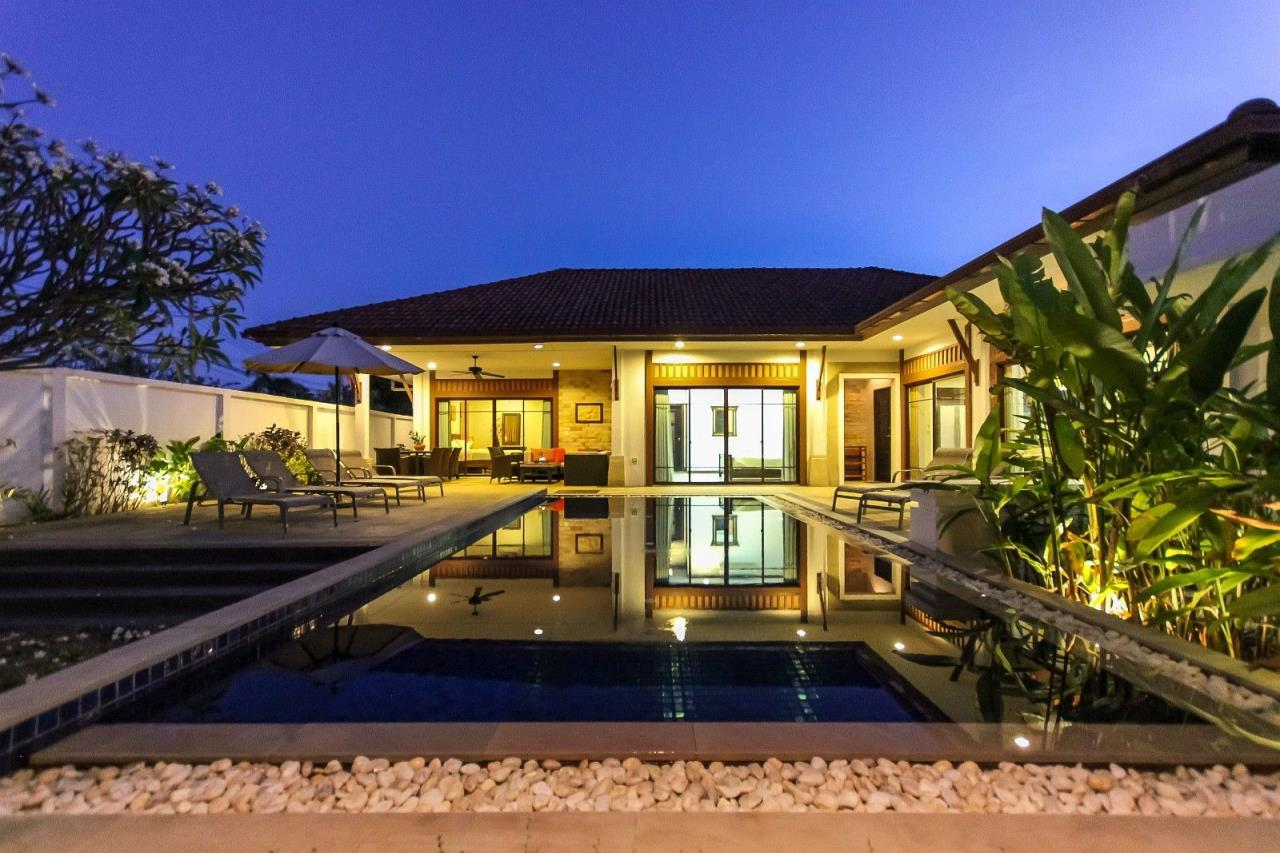 Thaiproperty1 Agency's Pool Villa with 4 bedrooms in beautiful and well run project 1