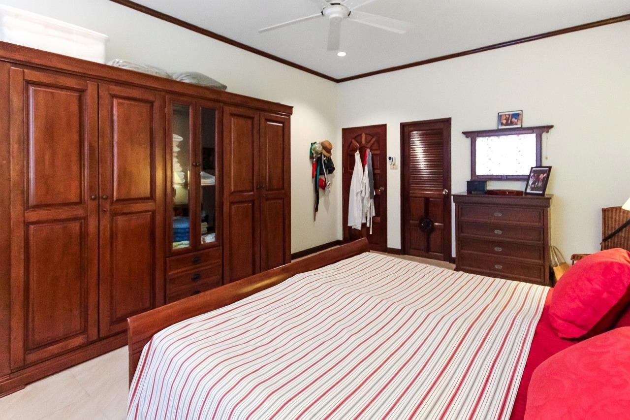 Thaiproperty1 Agency's Central located Pool Villa with high standard 20