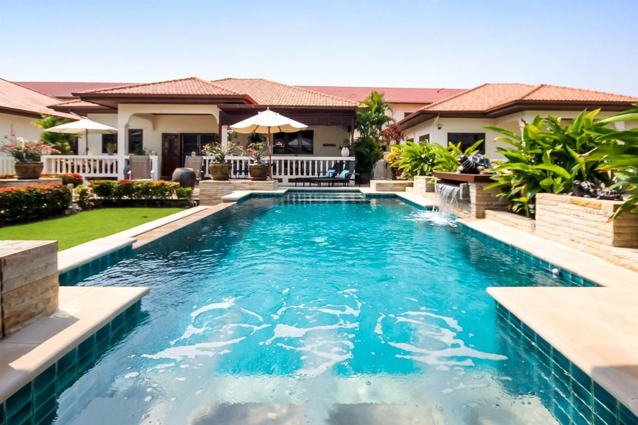 Thaiproperty1 Agency's Central located Pool Villa with high standard 1