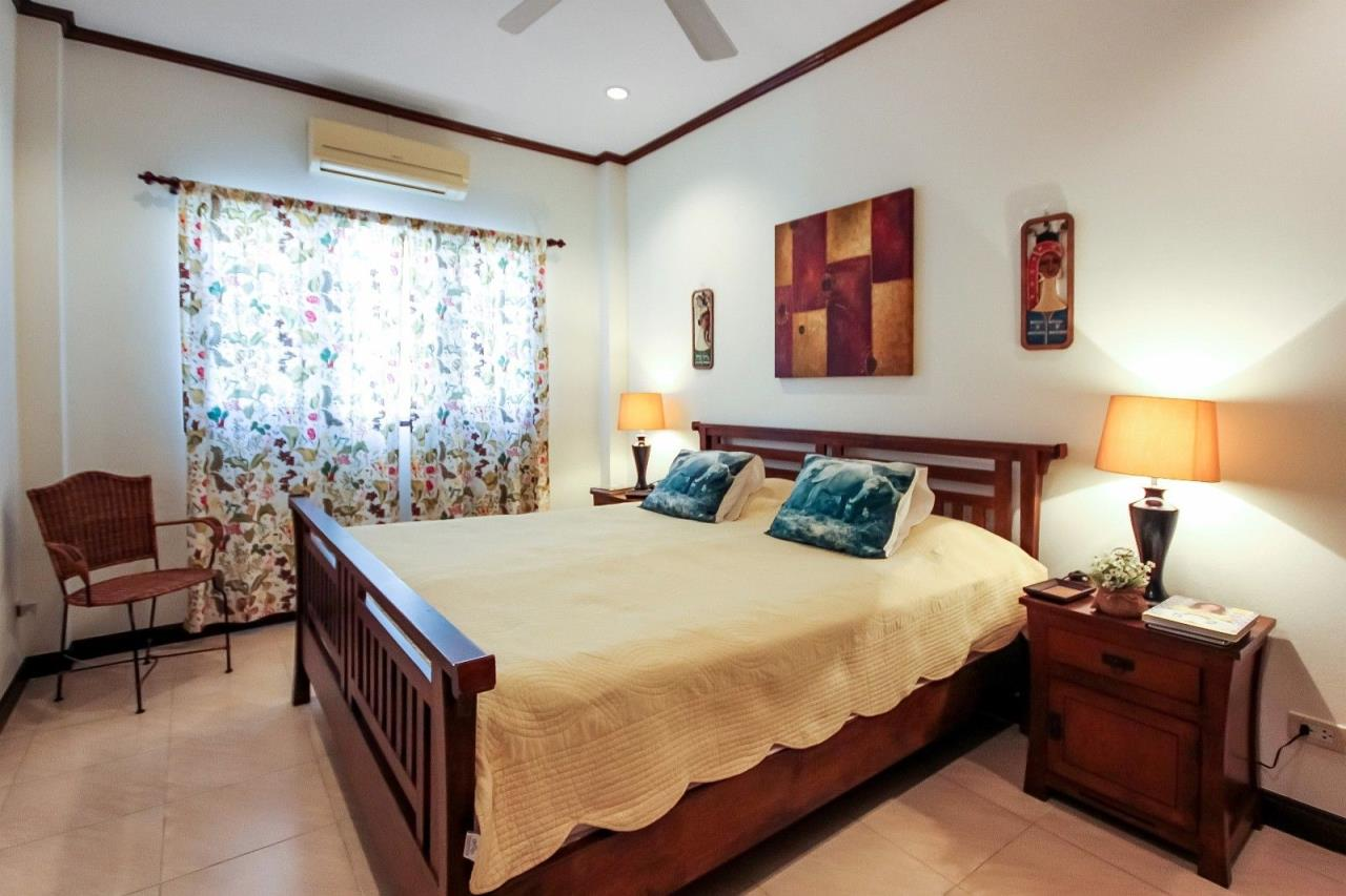 Thaiproperty1 Agency's Central located Pool Villa with high standard 22