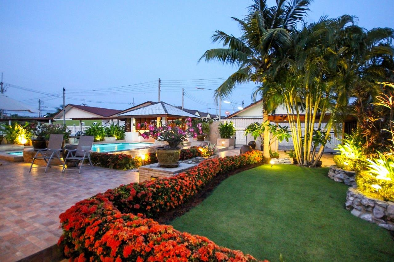 Thaiproperty1 Agency's Central located Pool Villa with high standard 11