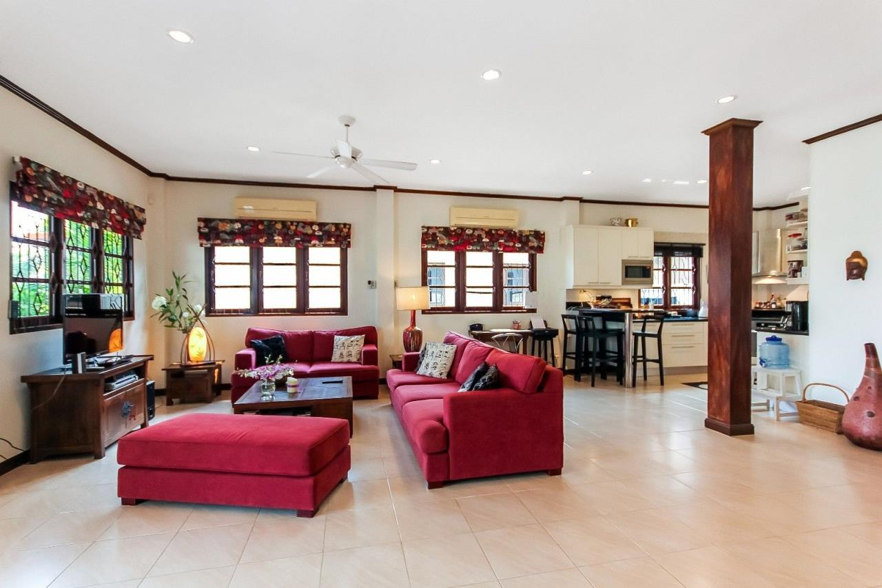 Thaiproperty1 Agency's Central located Pool Villa with high standard 15