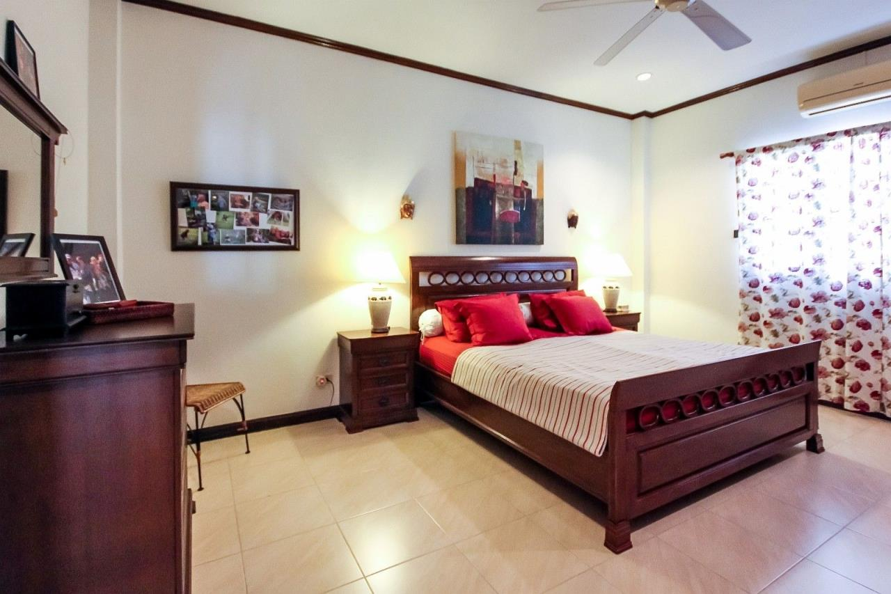 Thaiproperty1 Agency's Central located Pool Villa with high standard 19
