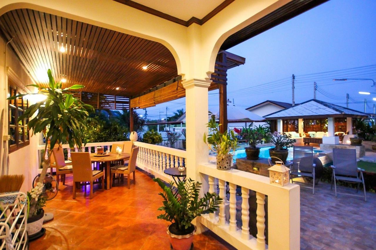 Thaiproperty1 Agency's Central located Pool Villa with high standard 10