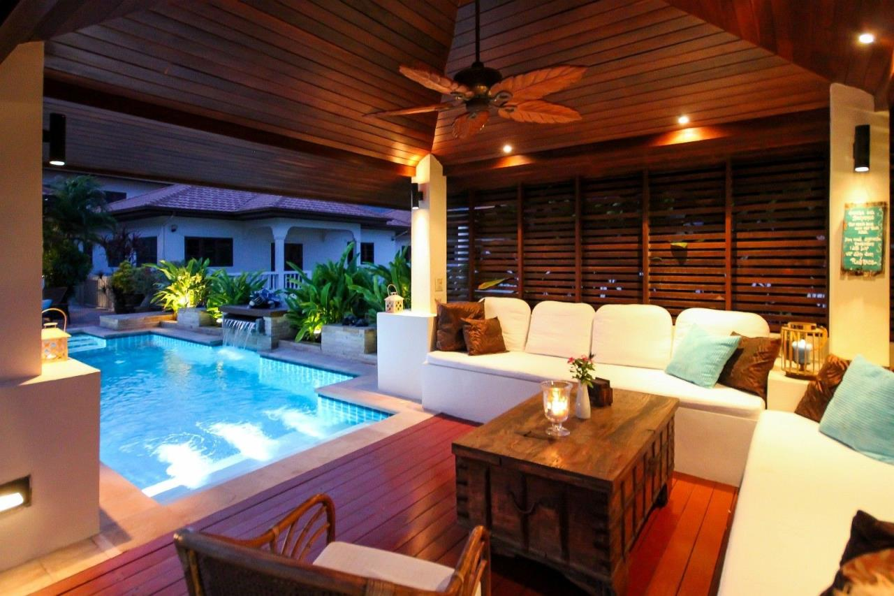 Thaiproperty1 Agency's Central located Pool Villa with high standard 6