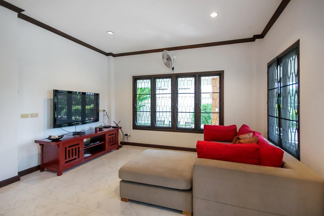 Thaiproperty1 Agency's 4 Bedroom Pool Villa in Hua Hin 13