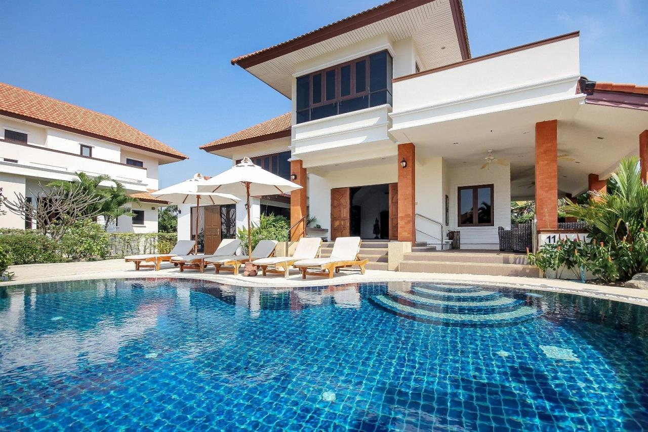 Thaiproperty1 Agency's 4 Bedroom Pool Villa in Hua Hin 1