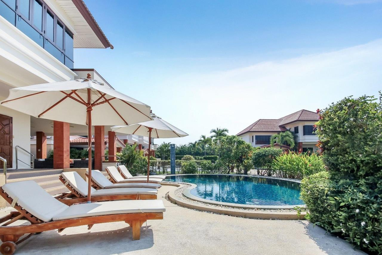 Thaiproperty1 Agency's 4 Bedroom Pool Villa in Hua Hin 9