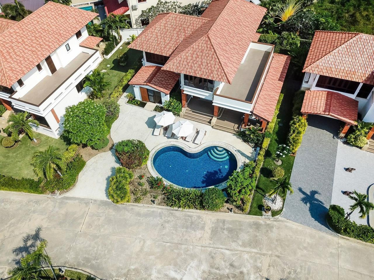 Thaiproperty1 Agency's 4 Bedroom Pool Villa in Hua Hin 3