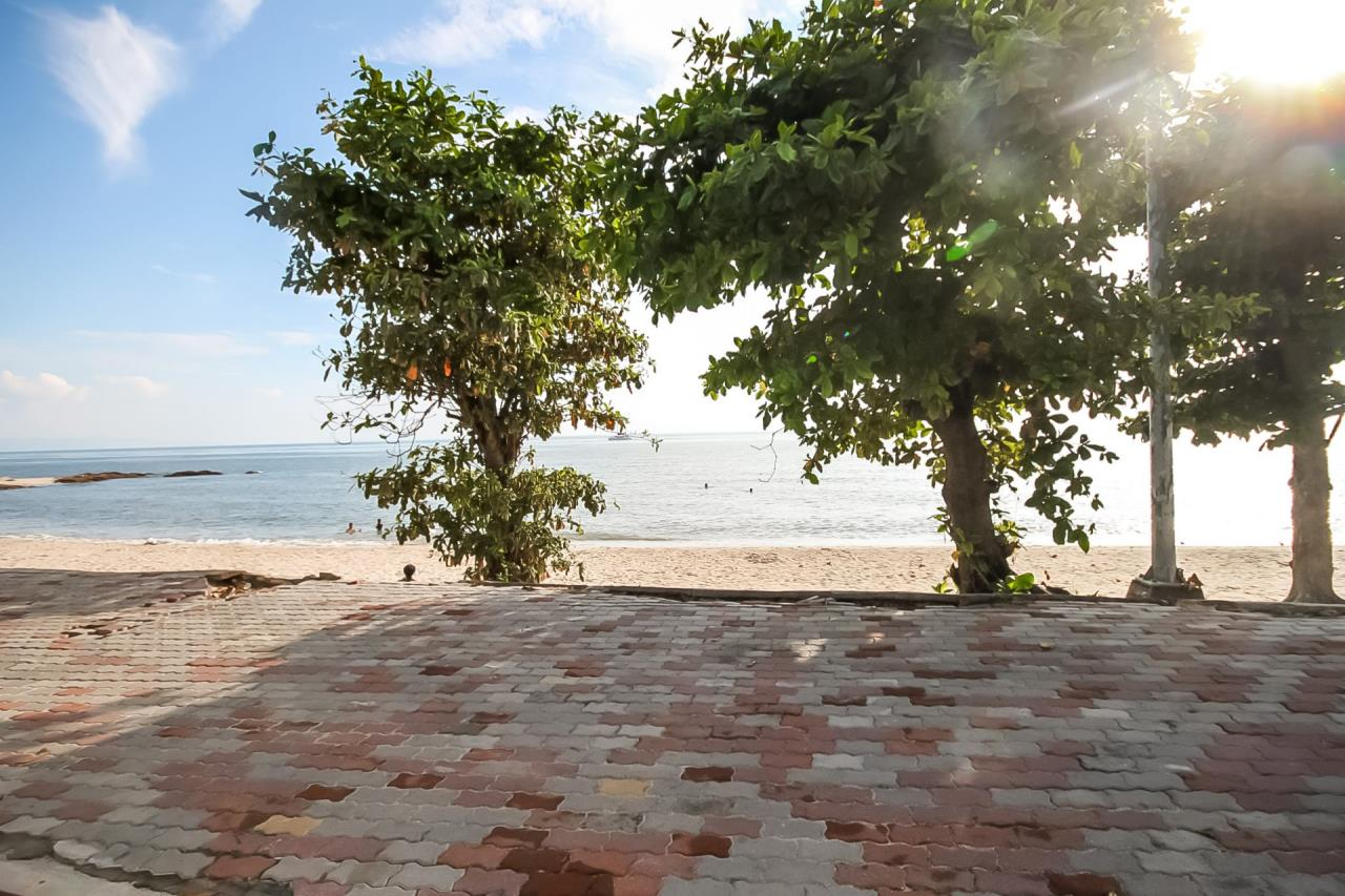 Thaiproperty1 Agency's Beautiful beachfront condo - View Talay 3 31
