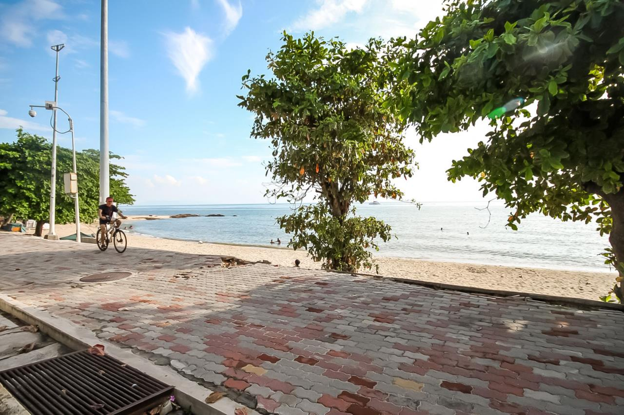 Thaiproperty1 Agency's Beautiful beachfront condo - View Talay 3 32