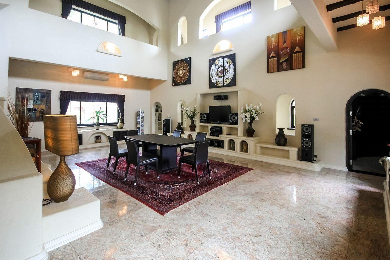 Thaiproperty1 Agency's Spacious Luxury Villa next to golf course. 28