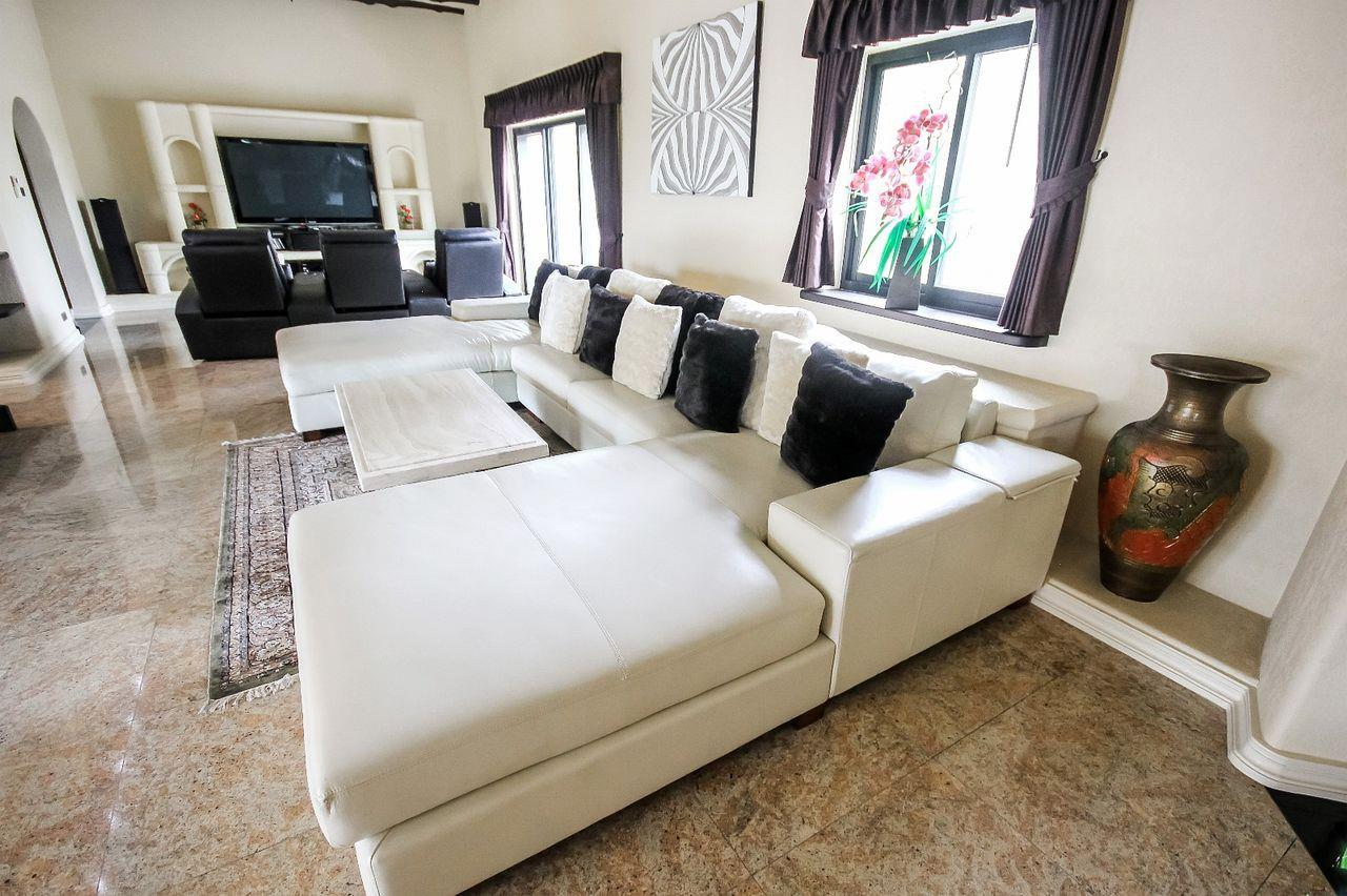 Thaiproperty1 Agency's Spacious Luxury Villa next to golf course. 34