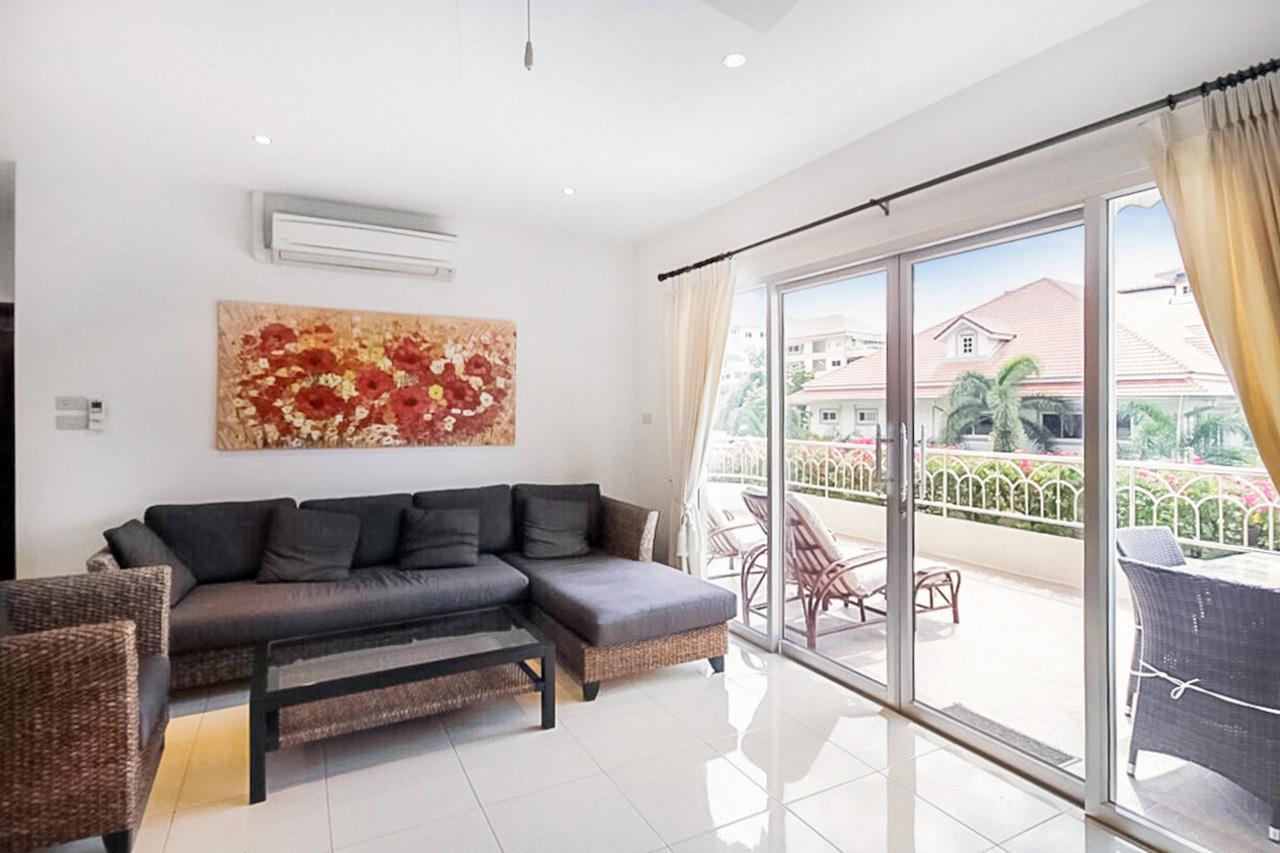Thaiproperty1 Agency's 2 Bedroom condo at Pratamnak hill 4