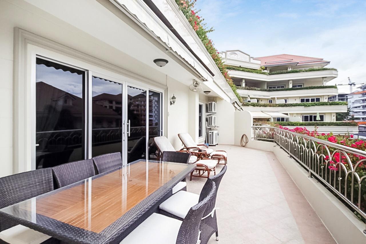 Thaiproperty1 Agency's 2 Bedroom condo at Pratamnak hill 2