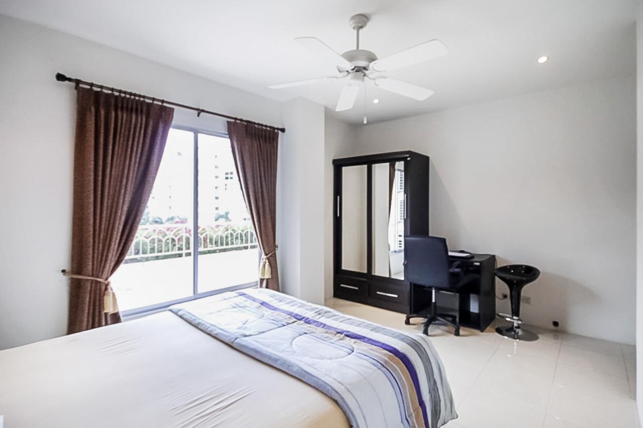 Thaiproperty1 Agency's 2 Bedroom condo at Pratamnak hill 12