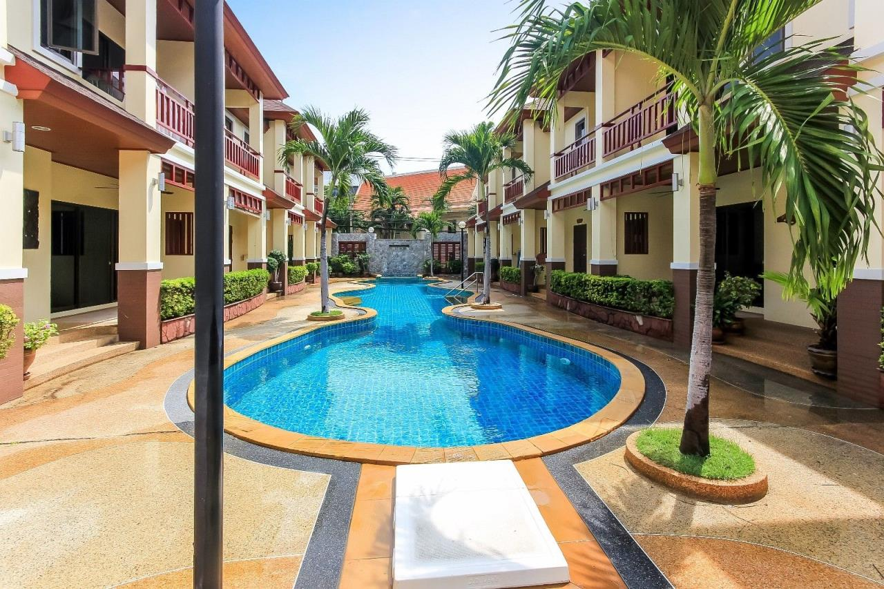 Thaiproperty1 Agency's Large townhouse near the beach 19