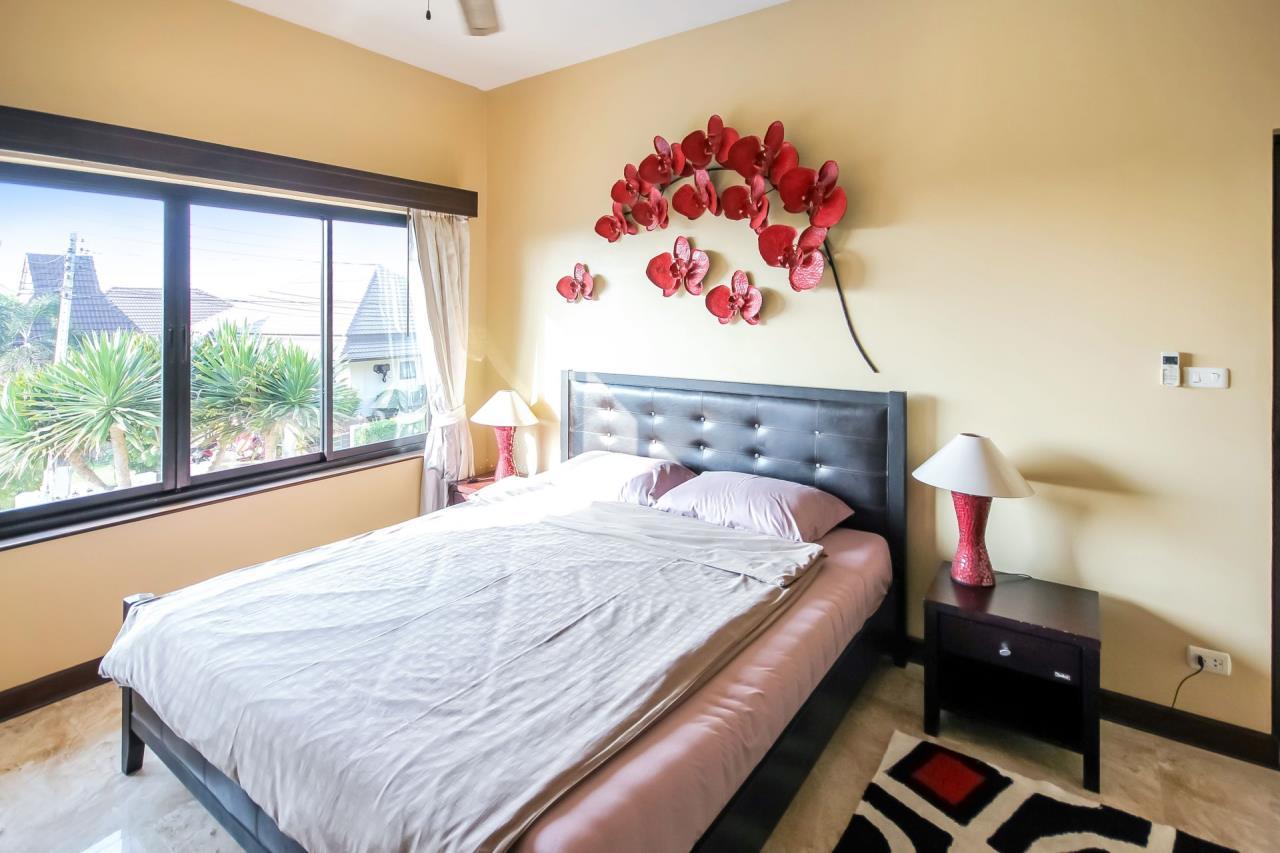 Thaiproperty1 Agency's 5 Bedroom Pool Villa at Hua Hin Horizon 21