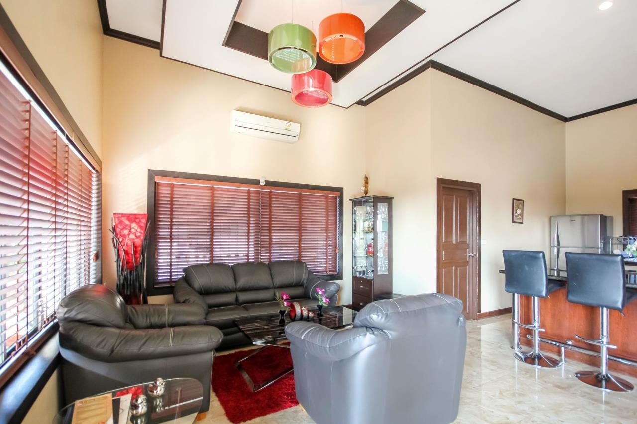 Thaiproperty1 Agency's 5 Bedroom Pool Villa at Hua Hin Horizon 14