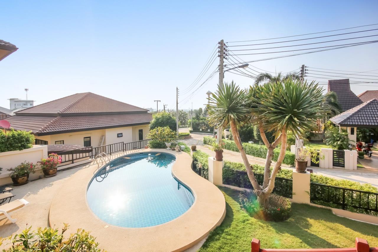 Thaiproperty1 Agency's 5 Bedroom Pool Villa at Hua Hin Horizon 2