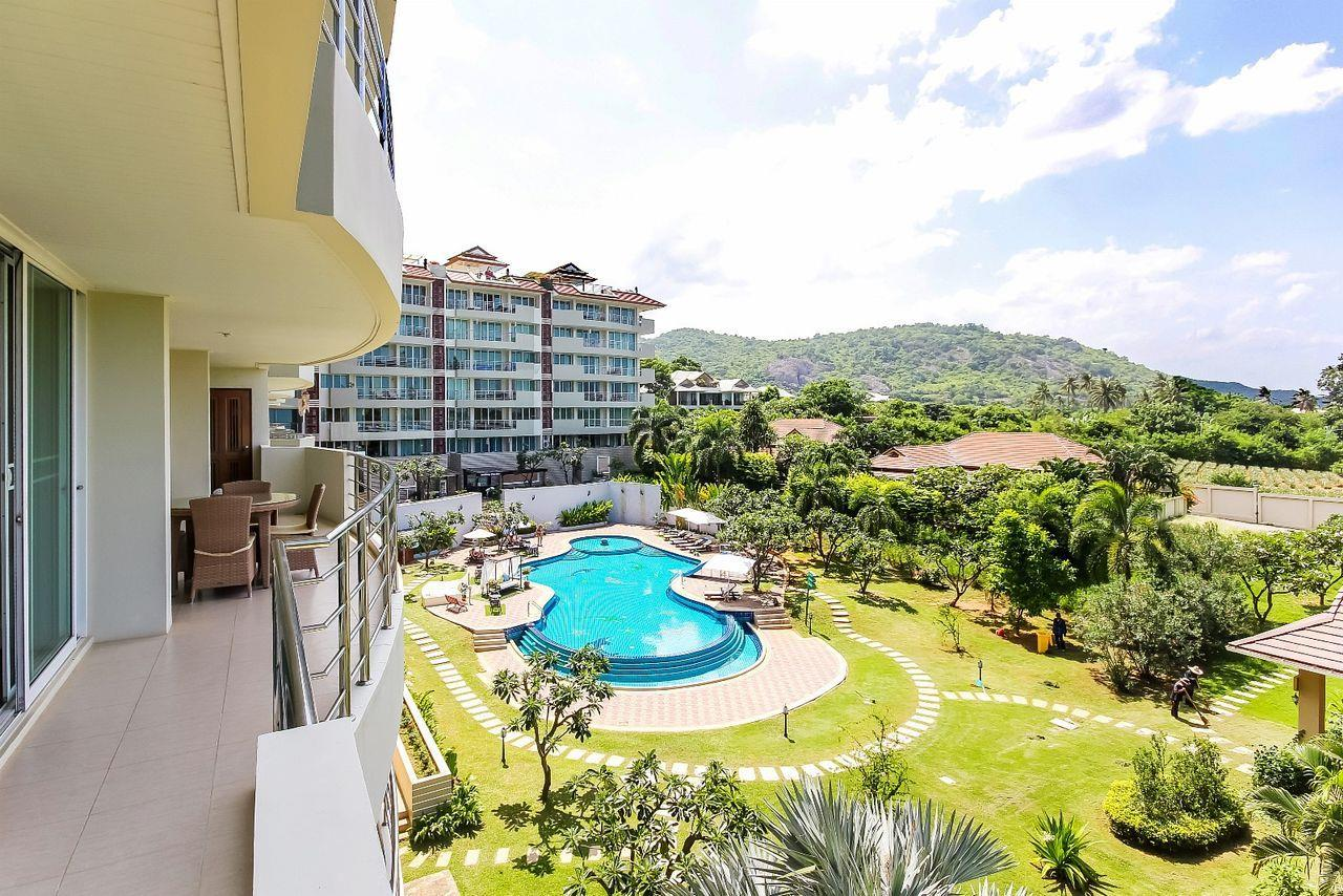 Thaiproperty1 Agency's LUXURIOUS 3 BEDROOM CONDO IN THE SOUTHERN PART OF HUA HIN. 1