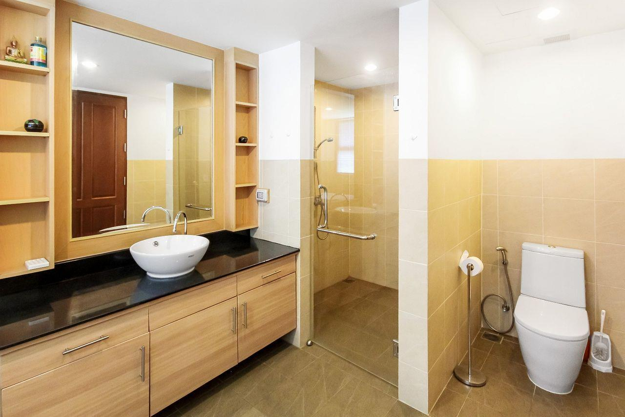 Thaiproperty1 Agency's LUXURIOUS 3 BEDROOM CONDO IN THE SOUTHERN PART OF HUA HIN. 10