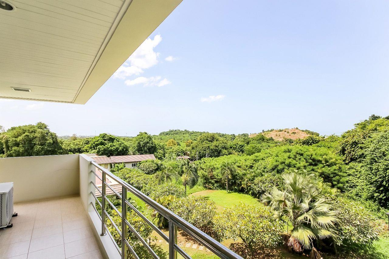 Thaiproperty1 Agency's LUXURIOUS 3 BEDROOM CONDO IN THE SOUTHERN PART OF HUA HIN. 11