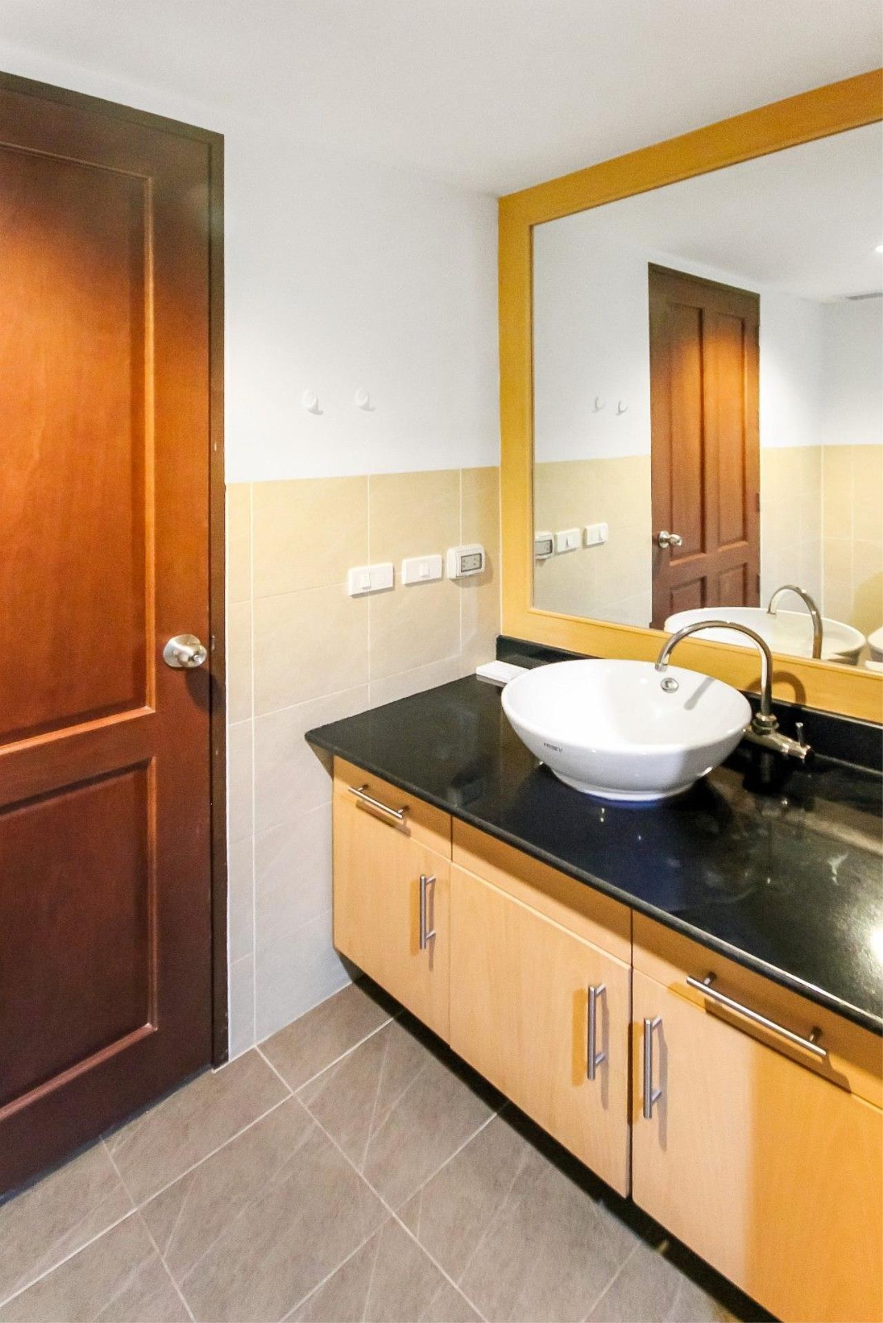 Thaiproperty1 Agency's LUXURIOUS 3 BEDROOM CONDO IN THE SOUTHERN PART OF HUA HIN. 9